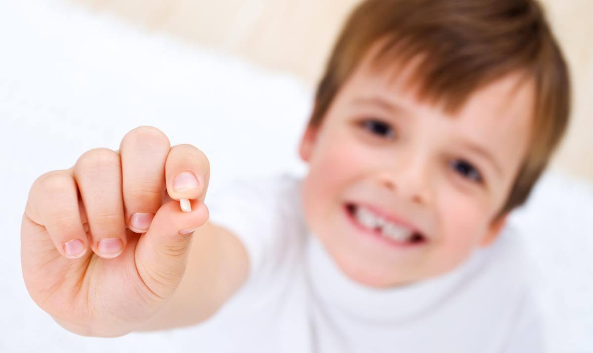 Если выпал передний зуб что с ним делать можно сделать как вставить